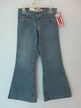 Levi's Strauss Girl's Size 7 Cotton Low Rise Slim Fit Blue Flare Jeans - $20.00
