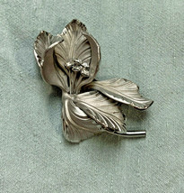 Vintage Floral Spray Brooch Pin Silver Tone 3D Satin Crystal Flowers Fig... - $25.22