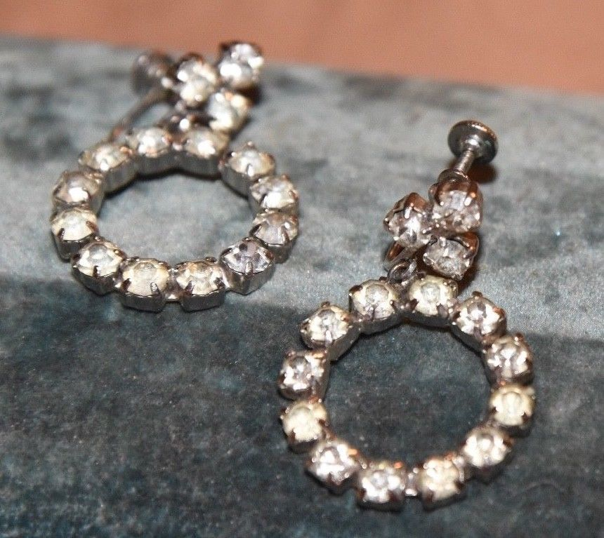 Retro Open ETERNITY Circle PRONG SET Rhinestone Screw-Back Dangle Earrings Weiss - $34.99