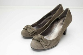 Sofft 8.5 Brown Suede Pumps Bow - $43.00