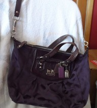 Coach Grape purple signature print convertible crossbody Satchel    (Lot... - $49.00