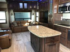 2018 DRV ELITE SUITES 40 KSSB4 For Sale In Taft, CA 93268 image 2