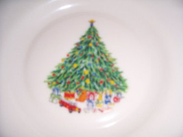 Porcelle Christmas Glass Collectible Dinner Bowl Noel Salem France- DON SCHRECKE - $18.99