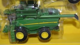 John Deere TBE45443 Die Cast Metal Replica Harvesting Set image 4