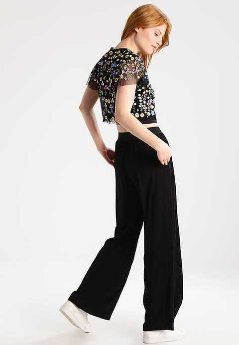 Needle & Thread Black Flowerbed Embroidered Beaded Top Size Small Retail $300