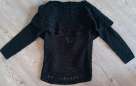 AcCOLD WEATHER KNITTED SWEATER BLACK LONG SLEEVE UNIQUE PETITES PS 100% ACRYLIC - $49.99