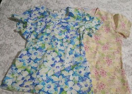 Lot of 2 Scrub Tops Women's size Small Think Spring Floral SB & Cherokee... - $14.84