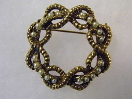 Vintage Brooch Pearl Gold Tone Costume Fashion Jewelry Pin - $9.66