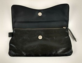Women's Kenneth Cole Reaction Accessories Hand Zippered Clutch Wallet Black Used - $18.81