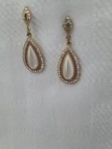 Beautiful pierce earrings. Drop pearl and gold ... - $14.45
