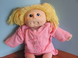 "1984 fibre craft 17"",m n thomas  yellow yarn  hair blue eyes original do... - $24.75"
