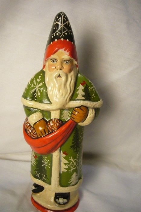 Vaillancourt Folk Art Santa & Pinecones Collector's Wkd signed by Judi!