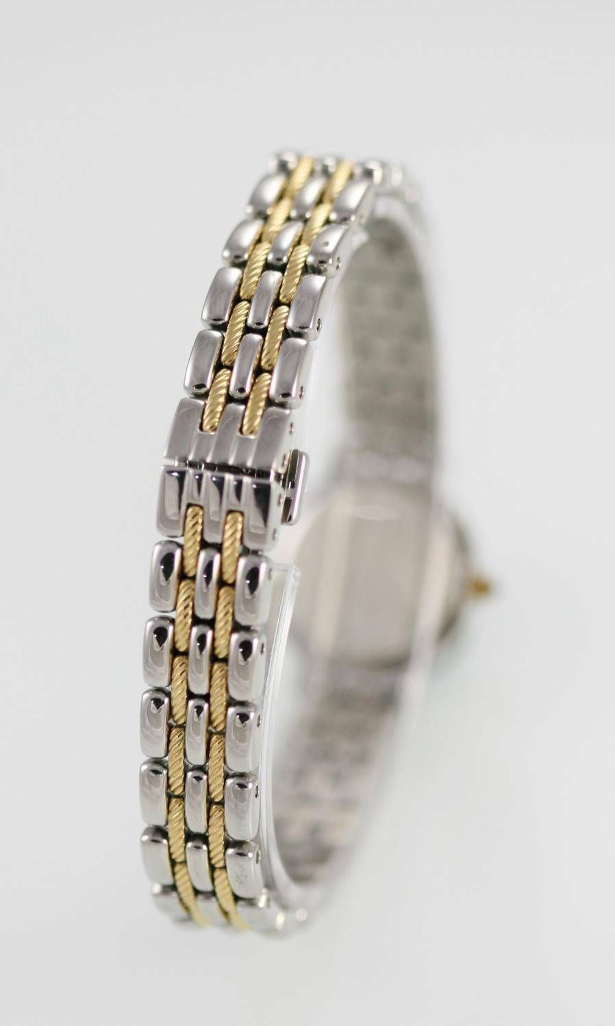 Seiko Womens Watch Stainless Gold Silver Water Resistant Battery White Quartz