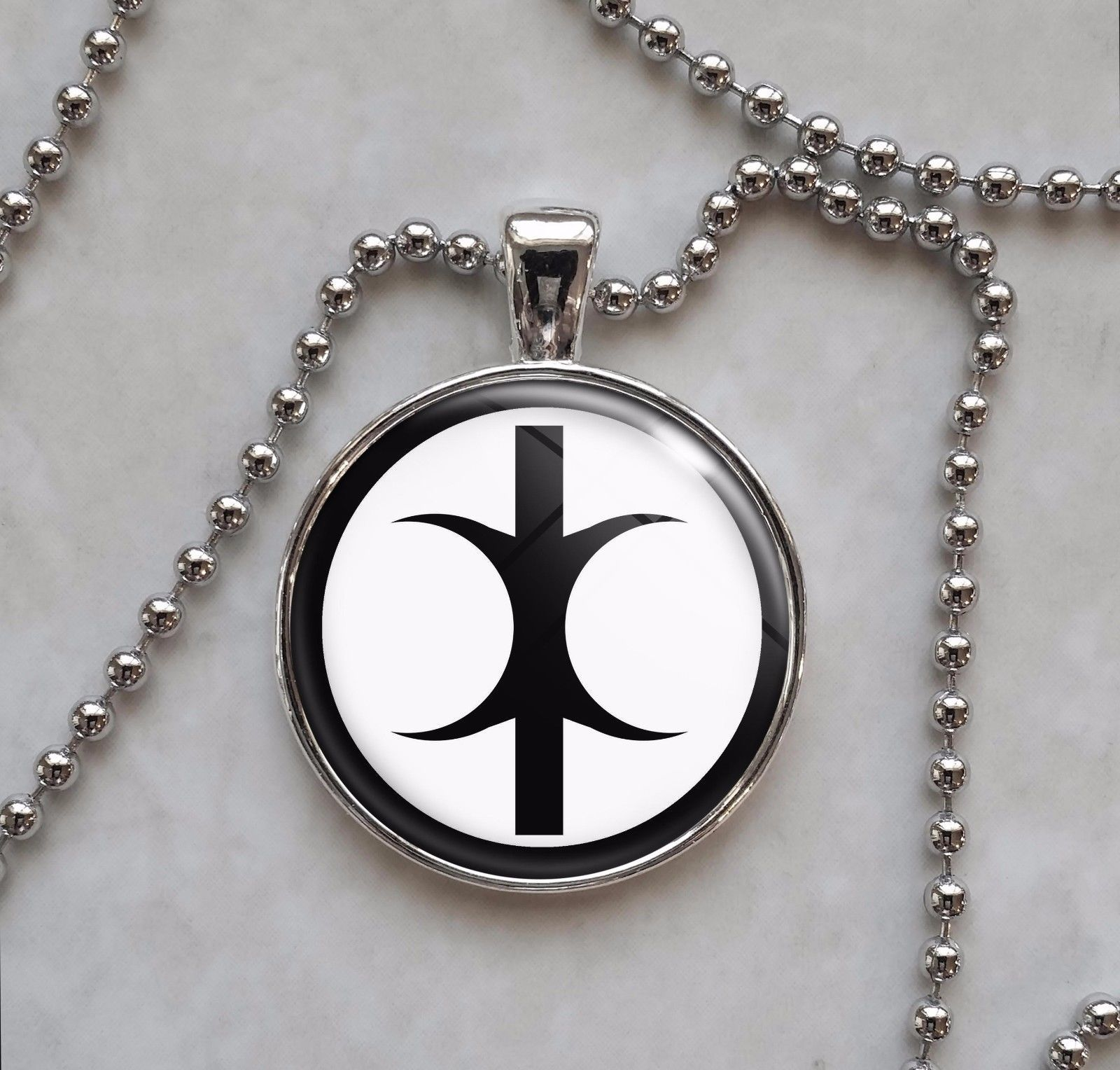 Hand of Eris Discordianism Pendant Necklace