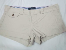 American Eagle Outfitters Beige Shorts Sz 4 *Mark on Back Pocket* - $14.24