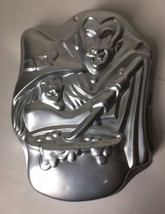 Vintage Dracula Vampire Witch Cake Pan Mold Halloween Monster 1999 2105-... - $14.95