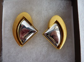 Vintage Retro Modernist Signed Lee Wolfe Clip On Earrings Gold Silver Tone - $39.15
