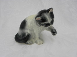 Vintage Black and White Porcelain or Ceramic Cat Standing with Paw Up Fi... - $6.99