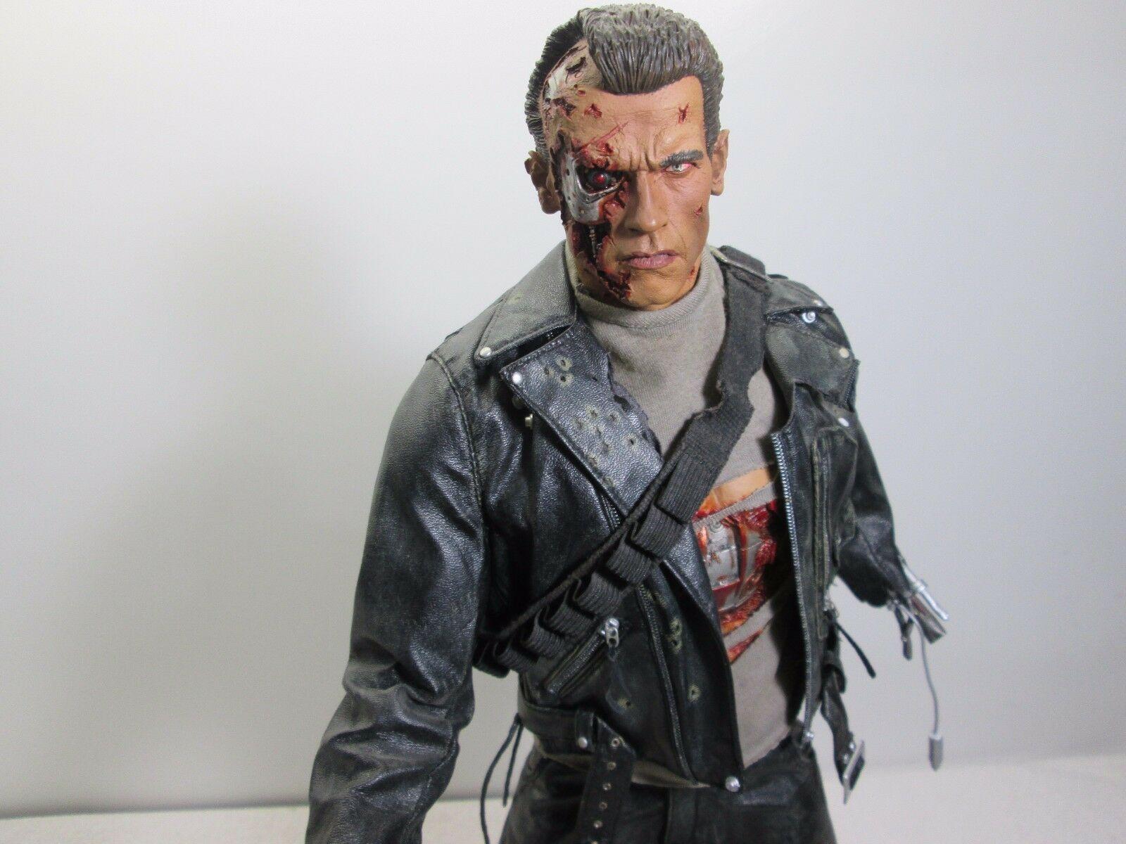 "Terminator 2 T-800 Battle Damaged Premium Format 21"" Figure - Sideshow 83/2000"