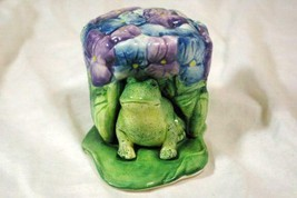 Jeannette Adams Frog Sitting On A Lily Pad 3 Piece Salt And Pepper Shake... - $17.09