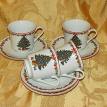 CHRISTMAS CUPS & SAUCERS FINE CHINA OF JAPAN 4 VINTAGE HOLIDAY TEACUP TR... - $49.99