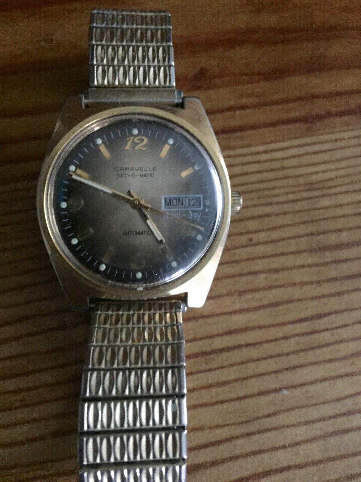 Primary image for VINTAGE CARAVELLE SET-O-MATIC MENS AUTOMATIC WATCH - RUNS