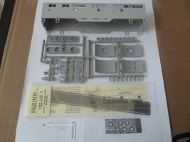 Highliners Stock #2003 F2/F3 B Unit with Screens and all Parts HO Scale image 1