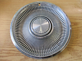 One factory 1967 Chrysler New Yorker 14 inch hubcap wheel cover - $16.70