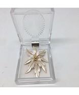 Floral Leaf Vintage Brooch Pin - $14.01