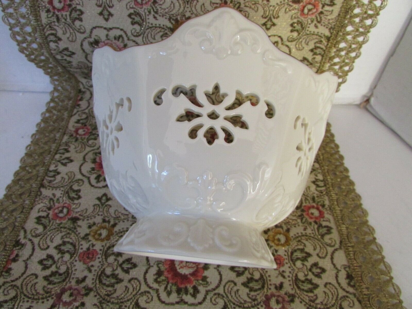 "LENOX BONE CHINA LANGTRY PIERCED BOWL  4.5""H X 7""W MADE IN USA IVORY W/GOLD RIM"