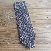 Van Huesen Geometric Diamonds pink Silk Tie - $12.86