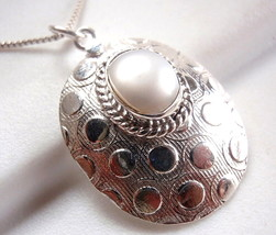 Pearl Hammered Pendant 925 Sterling Silver Oval Rope Style Accented New - $9.89
