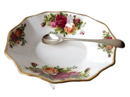 ROYAL ALBERT OLD COUNTRY ROSES BUTTER DISH / SOAP DISH - $49.49