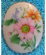Rare Hallmark Daisy Lapel Pin - $5.50
