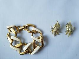 Emmons Signed Vintage Clip On Earrings Gold Tone + Enamel Matching Bracelet - $77.12