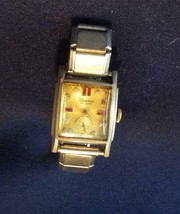 Vintage  Lucerne Deluxe Wrist Watch and Band - $0.99