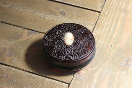 Vintage Cameo Avon Powder Jar Bakelite? - $11.73
