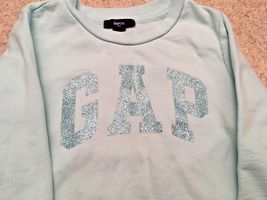 Girl's Gap Kids Long Sleeve Sequin Logo Aqua Sweatshirt (S) image 4