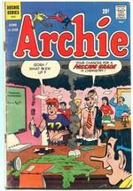Archie #218 1972-Betty-Veronica-Jughead-chemistry gag cover G - $24.83