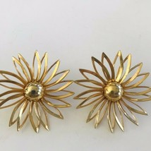 Vintage Signed SARAH COVENTRY  Gold Tone Large Flower Clip On Earrings  ... - $13.29