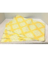 Lot of 4 Bright Yellow & White Reversible Dining Placemats Nice Design  - $14.36
