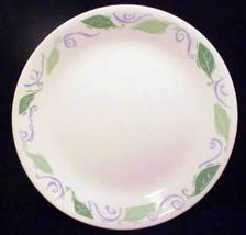 Corelle (2) Spearmint Whie Dinner Plates 10 1/4 inches - $9.89