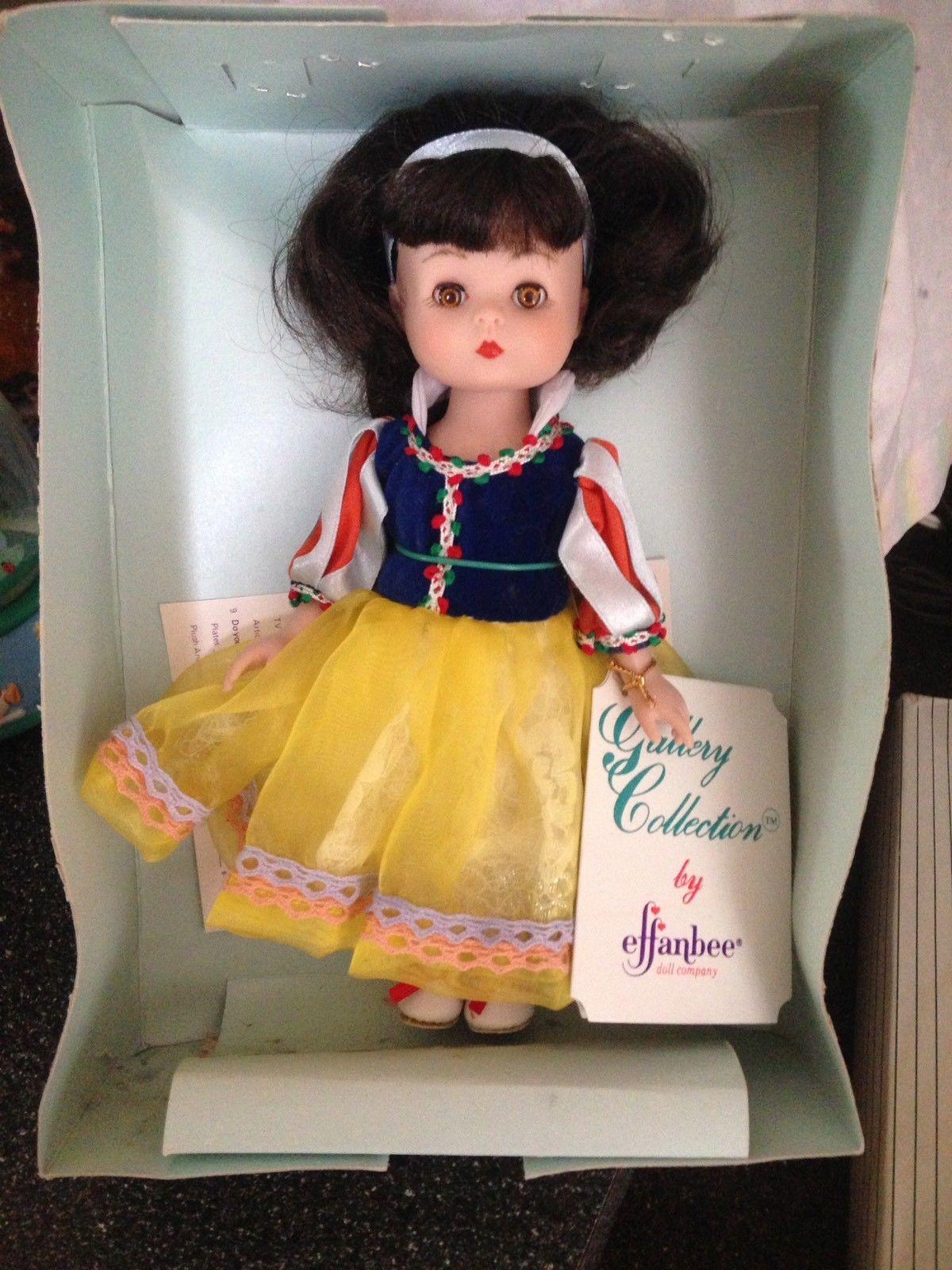 1992 Effanbee Doll Company Story Book Series Snow White Doll MV105 Retired Rare