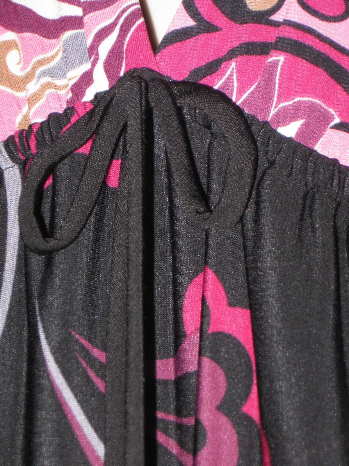 0693ac0010f0e6 M RHAPSODY V-Neckline Stylish Vintage Black Pink Swirl Floral Design Midi  Dress