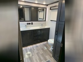 2020 REDWOOD 3951MB FOR SALE IN Spring Branch, TX 78070 image 14
