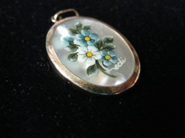 HANDPAINTED and signed Flowers on Mother of Pearl in 18K Yellow GOLD PEN... - $225.00