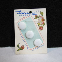 Vintage Lansing PEARLS Buttons style 65 size 24 Old Stock on Original Card - $13.98