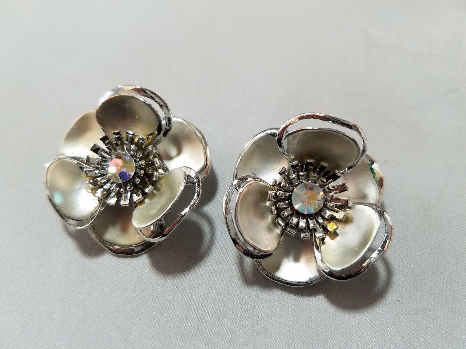 Vintage Fashion Jewelry Set Silver Tone Flower Clip On Earrings & Brooch Pin