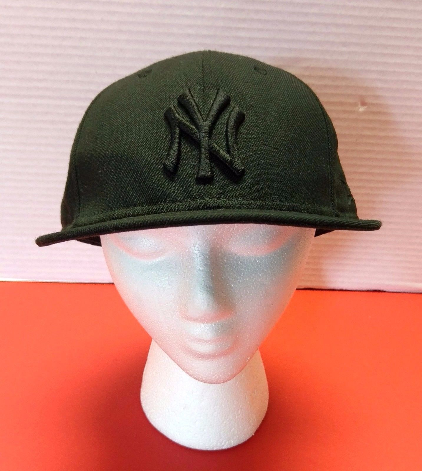 6981a870e682f S l1600. S l1600. Previous. 59Fifty Black New York Yankees Logo MLB  Baseball New Era Fitted Hat Cap 7 ...