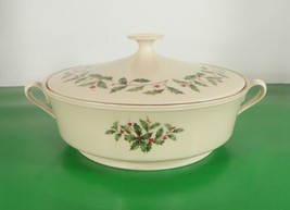 Lenox HOLIDAY SPECIAL Round Covered Vegetable Bowl Holly Berry Serving - $97.96